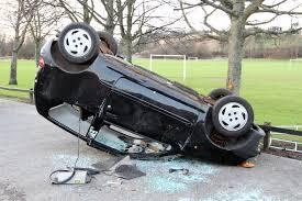 شناسایی آسیب وارده به سقف و ستون ها و شاسی خودرو